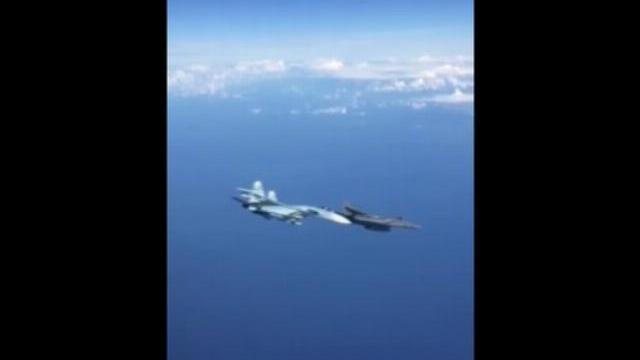 Giây phút Su-27 Nga áp sát, ép chiến đấu cơ Mỹ đổi hướng