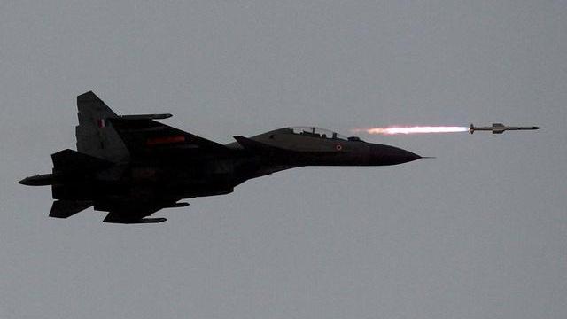 Su-30 MKI của không quân Ấn Độ tác chiến