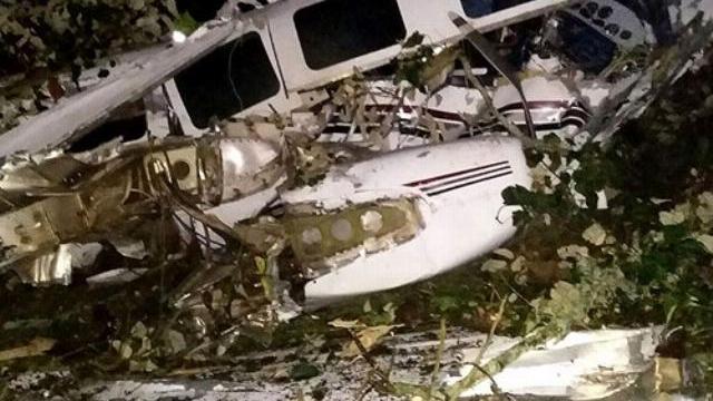 Kinh hãi cảnh máy bay rơi quay được từ bên trong buồng lái