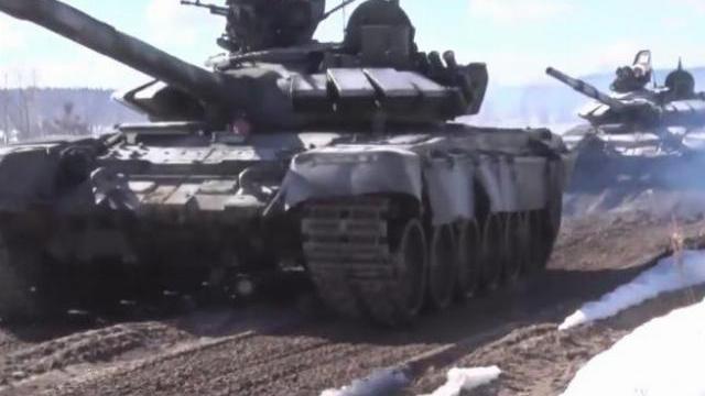 Bộ Quốc phòng Nga tập trận rầm rộ