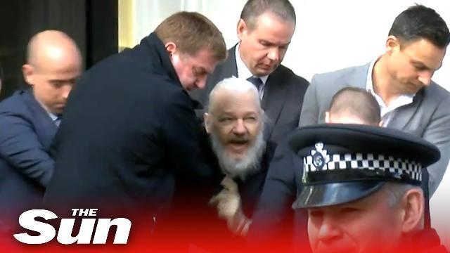Bảy người lôi nhà sáng lập Wikileaks khỏi đại sứ quán Ecuador ở London