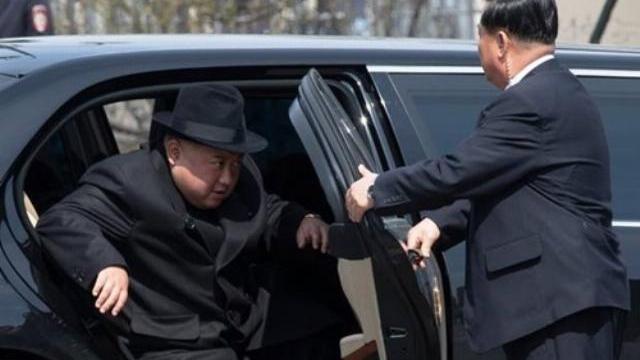 Mạng lưới bí mật bị nghi đưa xe sang từ châu Âu vào Triều Tiên