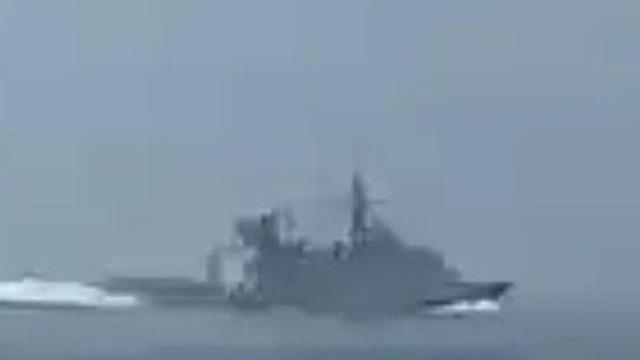 Iran rượt đuổi chiến hạm Anh ở eo biển Hormuz gây sốt