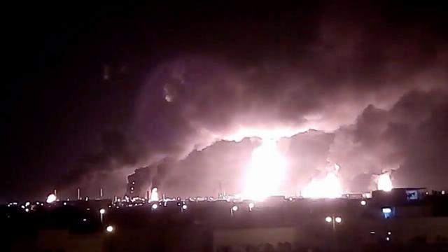 Các cơ sở dầu mỏ lớn của Saudi Arabia bị máy bay drone tấn công