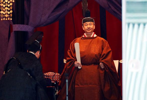 Nhật hoàng Naruhito đăng quang