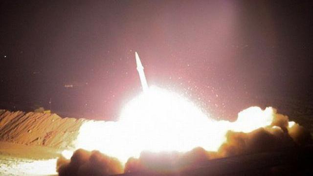 Iran khai hỏa rocket vào căn cứ Mỹ.