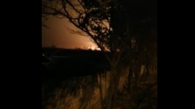 Khoảnh khắc máy bay Boeing 737 bốc cháy khi rơi tại Iran
