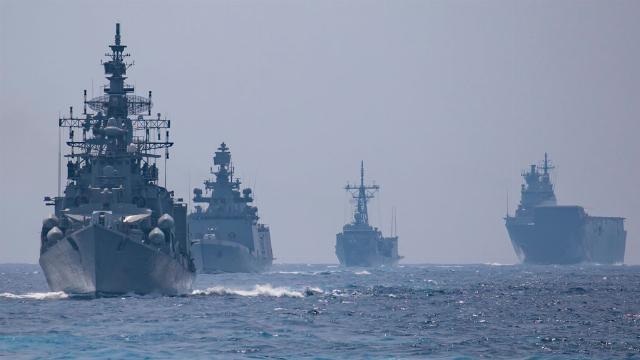 Ấn Độ, Nhật Bản kéo tàu chiến ra biển đối phó Trung Quốc