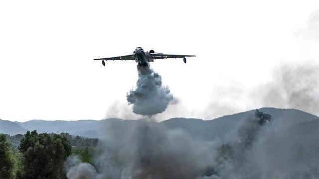 Hình ảnh ghi lại từ hiện trường chiếc máy bay của Nga bị rơi ở Thổ Nhĩ Kỳ