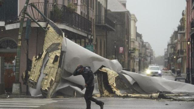 Bão Ida đã đổ bộ Louisiana, mang theo lũ lụt và gió giật mạnh 240km/giờ