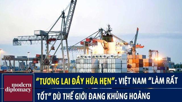 """""""Tương lai đầy hứa hẹn"""": Học giả Ấn Độ khen Việt Nam """"làm rất tốt"""" dù thế giới đang khủng hoảng.mp4"""