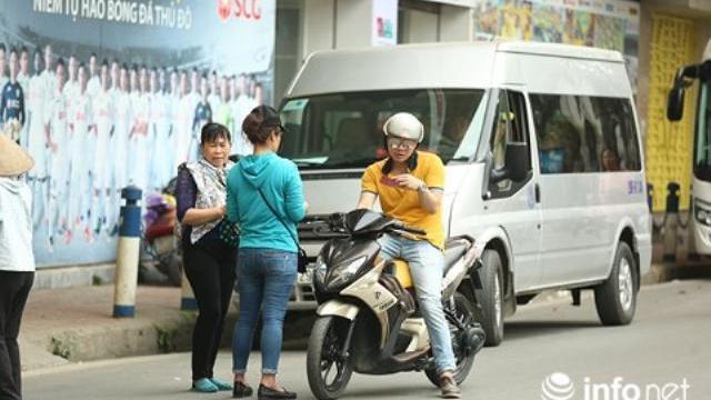 """""""Nội chiến"""" U23 Việt Nam, giá vé tăng gấp 3 lần trước giờ bóng lăn"""