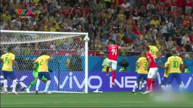 Cú đánh đầu hiểm hóc của Steven Yuber giúp Thụy Sĩ san bằng tỷ số Brazil