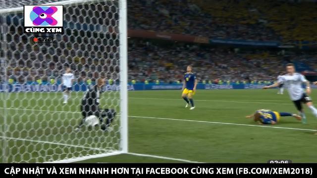 Masco Reus ghi bàn bằng ... đầu gối gỡ hòa cho Đức