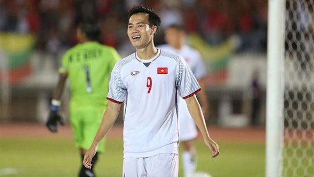 Tình huống Văn Toàn bị trọng tài tước bàn thắng vào lưới Myanmar