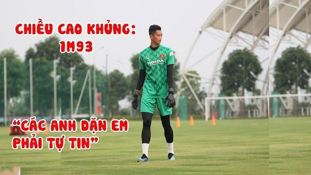 Thủ môn cao 1m93 Phan Minh Thành được đàn anh chỉ bảo phải tự tin tại U22 Việt Nam
