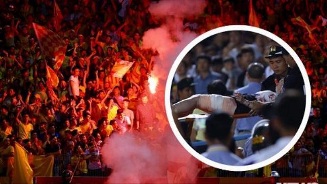 Khoảnh khắc pháo sáng bay như tên lửa vào đám đông khán giả gây thương tích