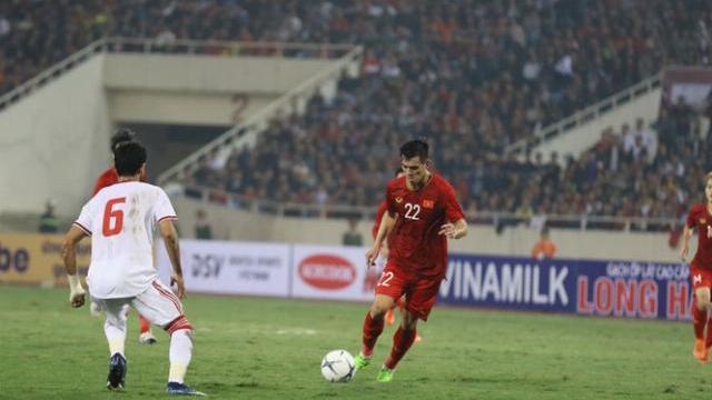 Tuyển Việt Nam 1-0 UAE Tiến Linh sút xa đẳng cấp