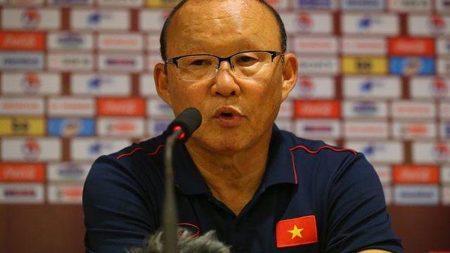 """Màn đáp trả """"cực gắt"""" của HLV Park Hang-seo với phóng viên UAE"""