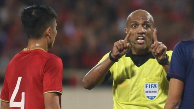 Trọng tài người Oman 2 lần từ chối bàn thắng của Đội tuyển Việt Nam