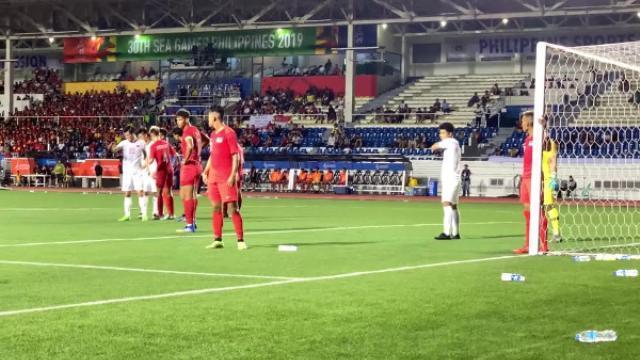 """Hà Đức Chinh phát hiện Singapore chơi thiếu fair-play và đáp trả bằng """"bàn thắng vàng"""""""