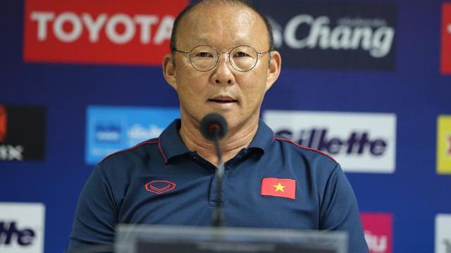 HLV Park hang Seo nói Quang Hải có thẻ ra sân ở trận chung kết