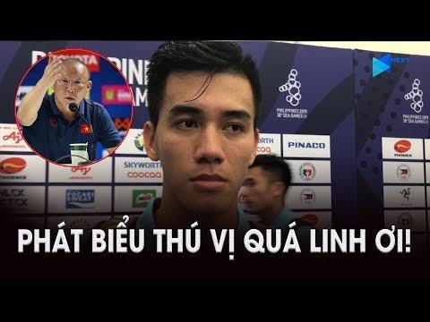 """Người hùng Tiến Linh tiết lộ về quả 11m thứ 2 và thầy Park """"xốc"""" tinh thần trong giờ nghỉ hai hiệp"""