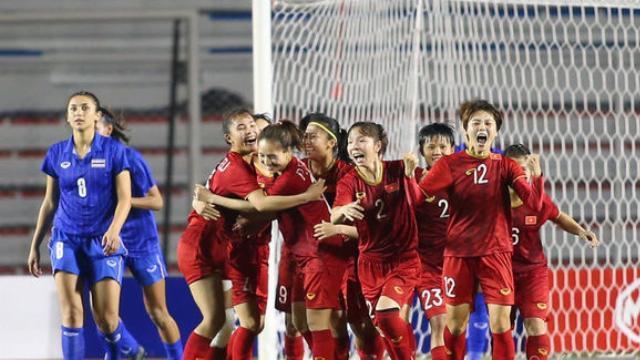 Video: Xem lại Hải Yến ghi bàn thắng vàng giúp tuyển nữ Việt Nam hạ Thái Lan