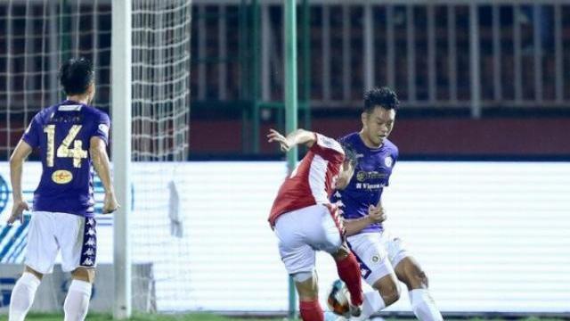 Trọng tài từ chối 2 lần Penalty cho CLB TP HCM
