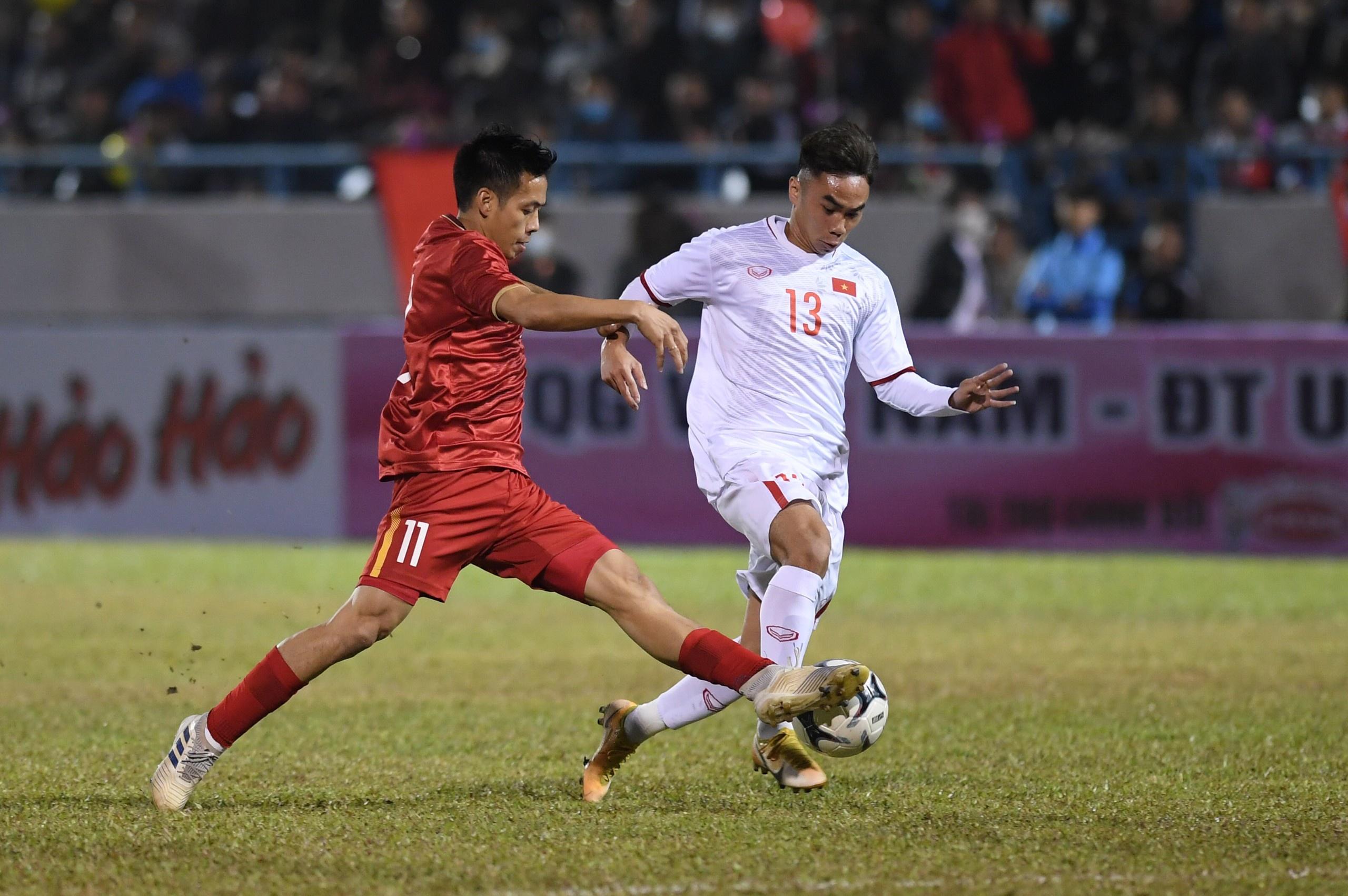 Trực tiếp: ĐT Việt Nam - ĐT U22 Việt Nam