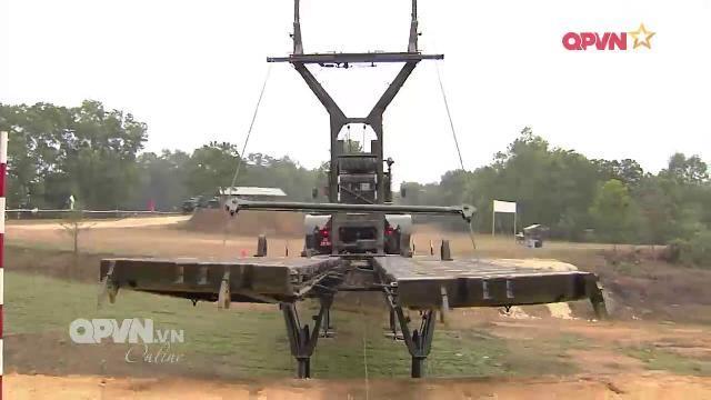 Công binh Việt Nam tăng cường huấn luyện chiến thuật chuyên nghành