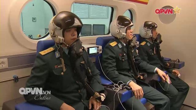 Thời sự Quốc phòng 2/2/2017: Luyện kỹ năng cho Phi công Không quân Việt Nam