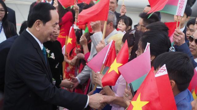 Chủ tịch nước Trần Đại Quang bắt đầu thăm Belarus
