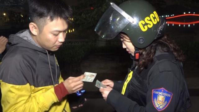 Đêm tuần tra của nữ cảnh sát đặc nhiệm Hà Nội