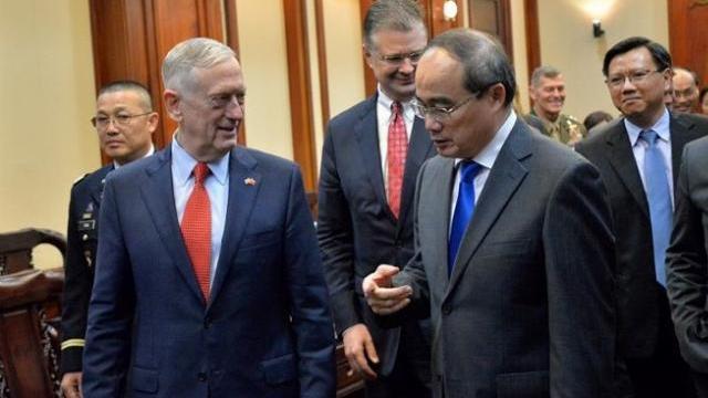 Bộ trưởng Quốc phòng Mỹ thăm TP HCM
