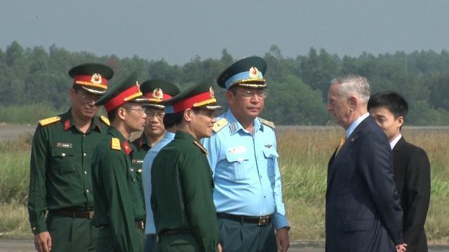 Bộ trưởng Bộ Quốc phòng Hoa Kỳ James Mattis thăm và làm việc tại Việt Nam