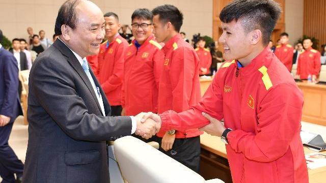 Thủ tướng Nguyễn Xuân Phúc gặp gỡ đội tuyển Việt Nam