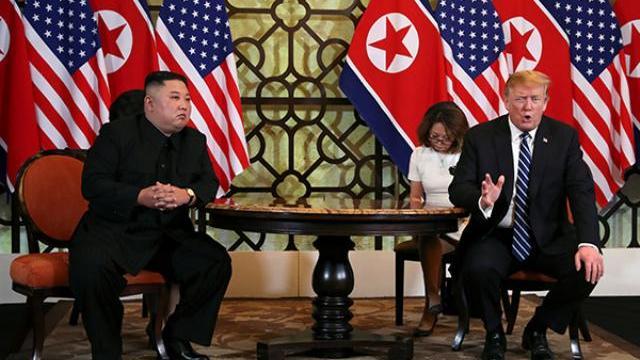 Toàn cảnh cuộc gặp một - một giữa Tổng thống Trump và Chủ tịch Kim tại Hà Nội