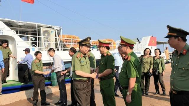 Bộ trưởng Tô Lâm làm việc Công an tỉnh Quảng Ngãi