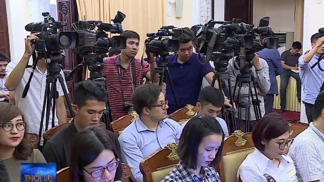 Yêu cầu Trung Quốc chấm dứt ngay vi phạm, rút toàn bộ tàu ra khỏi vùng đặc quyền kinh tế của Việt Nam