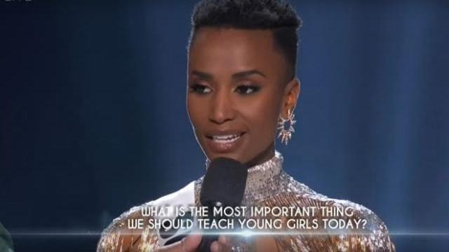 Hoa hậu Nam Phi xuất sắc hoàn thành phần thi trả lời câu hỏi