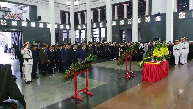 Thủ tướng viếng, thắp hương tiễn biệt 3 liệt sĩ hy sinh tại Đồng Tâm