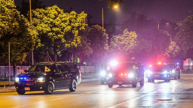 Dàn xe đặc chủng của mật vụ Mỹ tháp tùng Phó Tổng thống Mỹ Kamala Harris đến Hà Nội