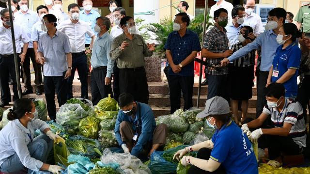 Thủ tướng Phạm Minh Chính kiểm tra công tác chống dịch ở Đồng Nai