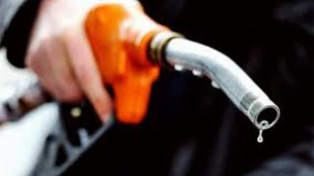 Hoá ra mua xăng dầu ở Mỹ không hề dễ dàng...