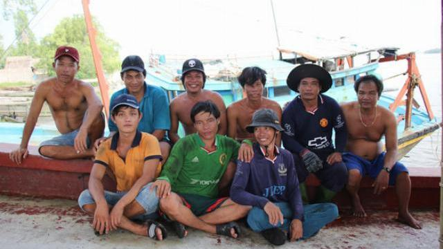Ngư dân Việt Nam kể chuyện cứu 22 thuyền viên Philippines bị.mp4
