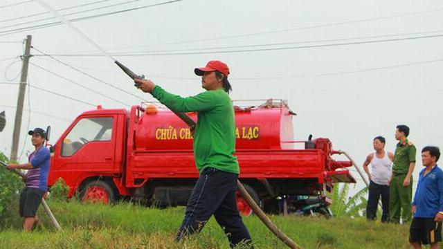 Siêu xe chữa cháy của những lão nông miền Tây.mp4