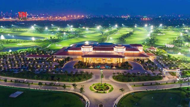 Bên trong sân golf Tân Sơn Nhất có gì?