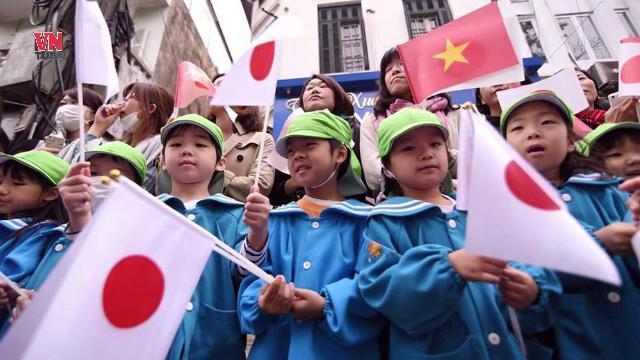 Vì sao ngày càng nhiều người Việt tìm cách di cư ra nước ngoài?