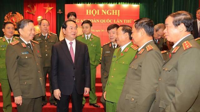 Chủ tịch nước với Công an nhân dân